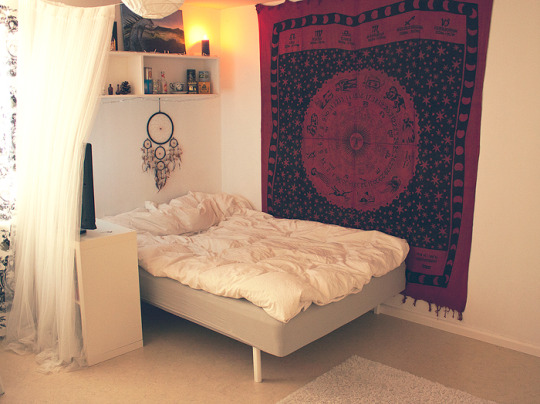 Tapestry over bed